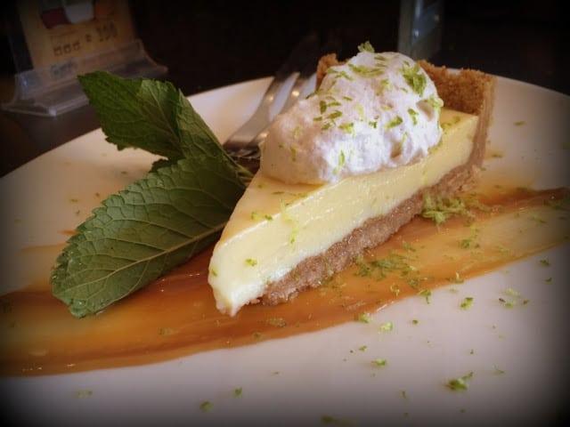 Key Lemon Pie - Memphis Roadhouse - Århus