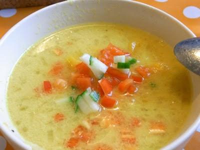 Trafiklys-suppe… (karrysuppe med rejer og grønt knas)